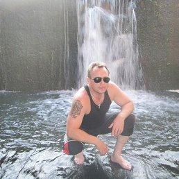 Виктор, 51 год, Глухов