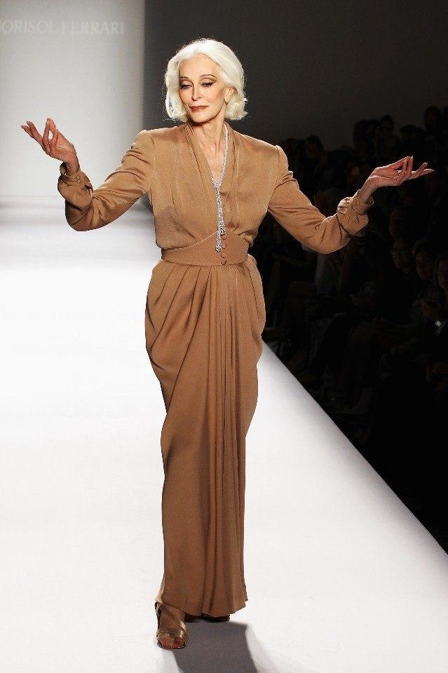 83-летняя легендарная модель Кармен Делль`Орейфис - 6