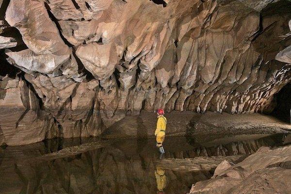Самая глубокая пещера в мире.Пещера Крубера-Воронья – самая глубокая пещера в мире. Она находится в ... - 10