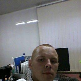 Максим, 28 лет, Игра