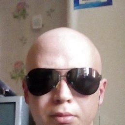 Олег, 36 лет, Обухов