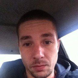 Илья, 32 года, Волжский