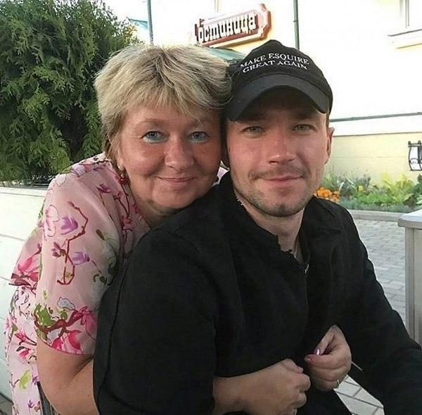 александр картинки с мамой