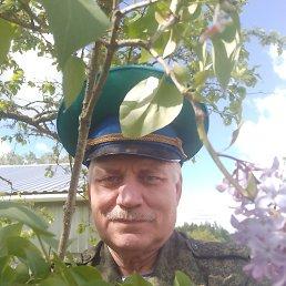 Виктор, 62 года, Псков